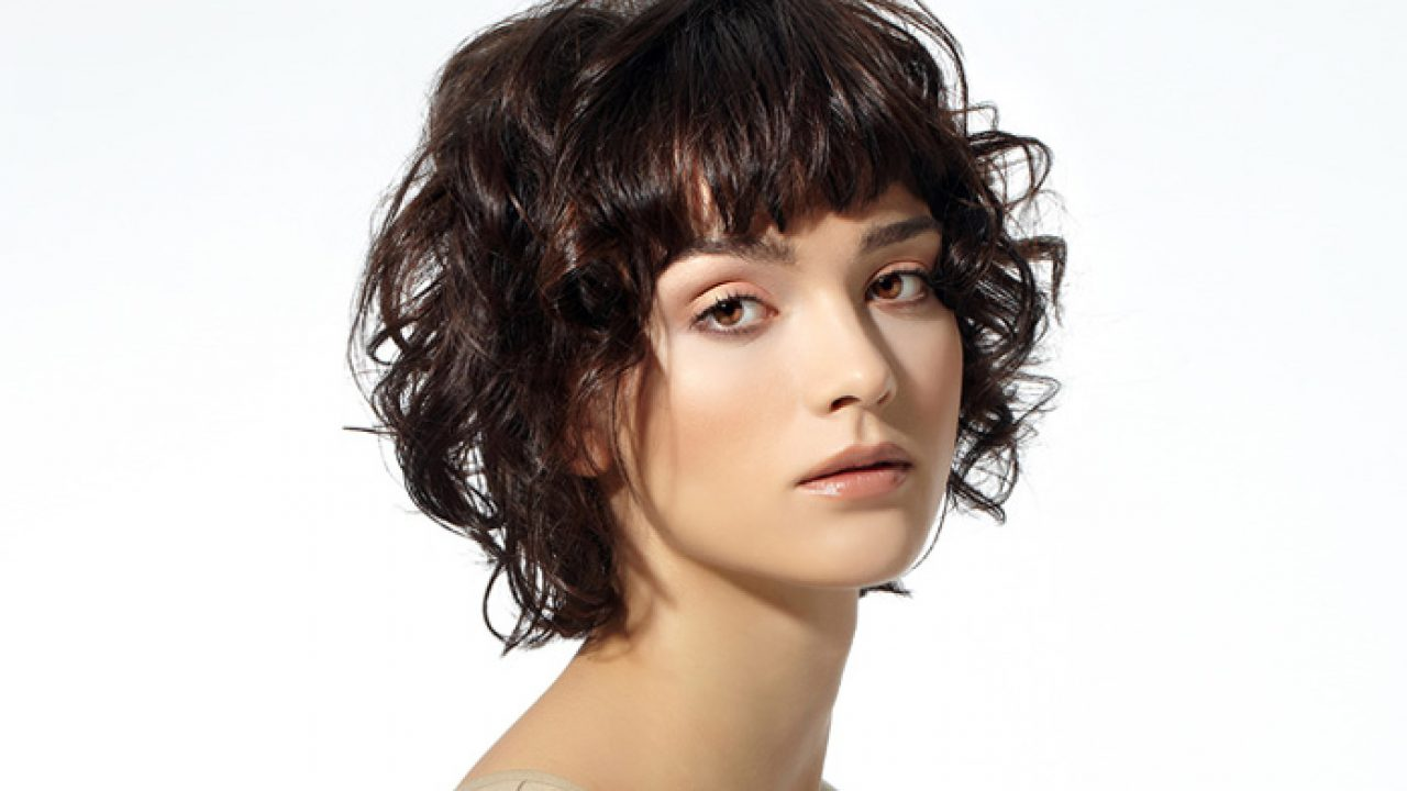 Top stylish short curly hairstyles for cute girls