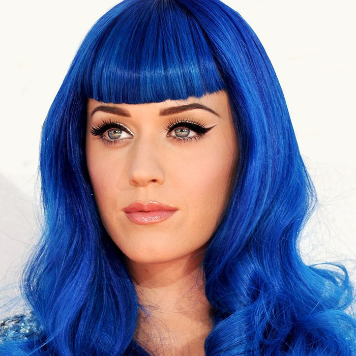 Blue Hair Coloring – A Safe and Easy Experiment