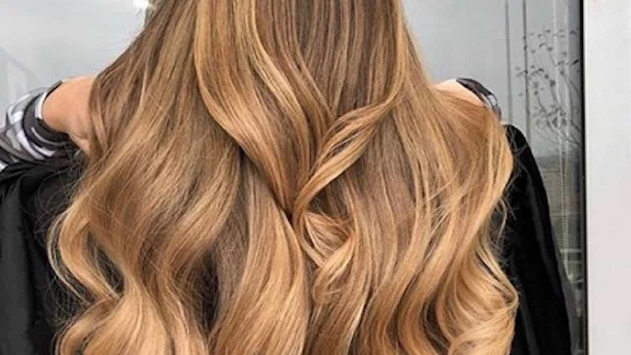 How to Find the Perfect Caramel Hair Color For Your Skin Tone and Hairstyle