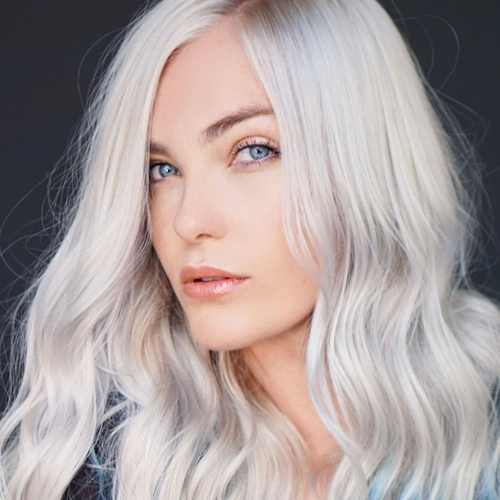 Elegant Hairstyles With Icy Blonde Hair