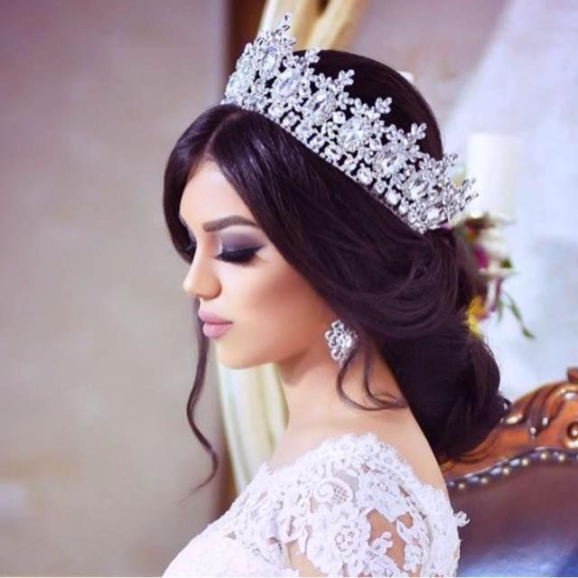 Choosing A Right Quinceanera Hairstyles