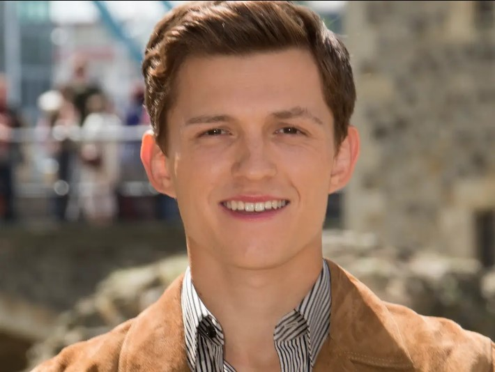 How to Change Your Tom Holland Hair to Match Your Celebrity Look