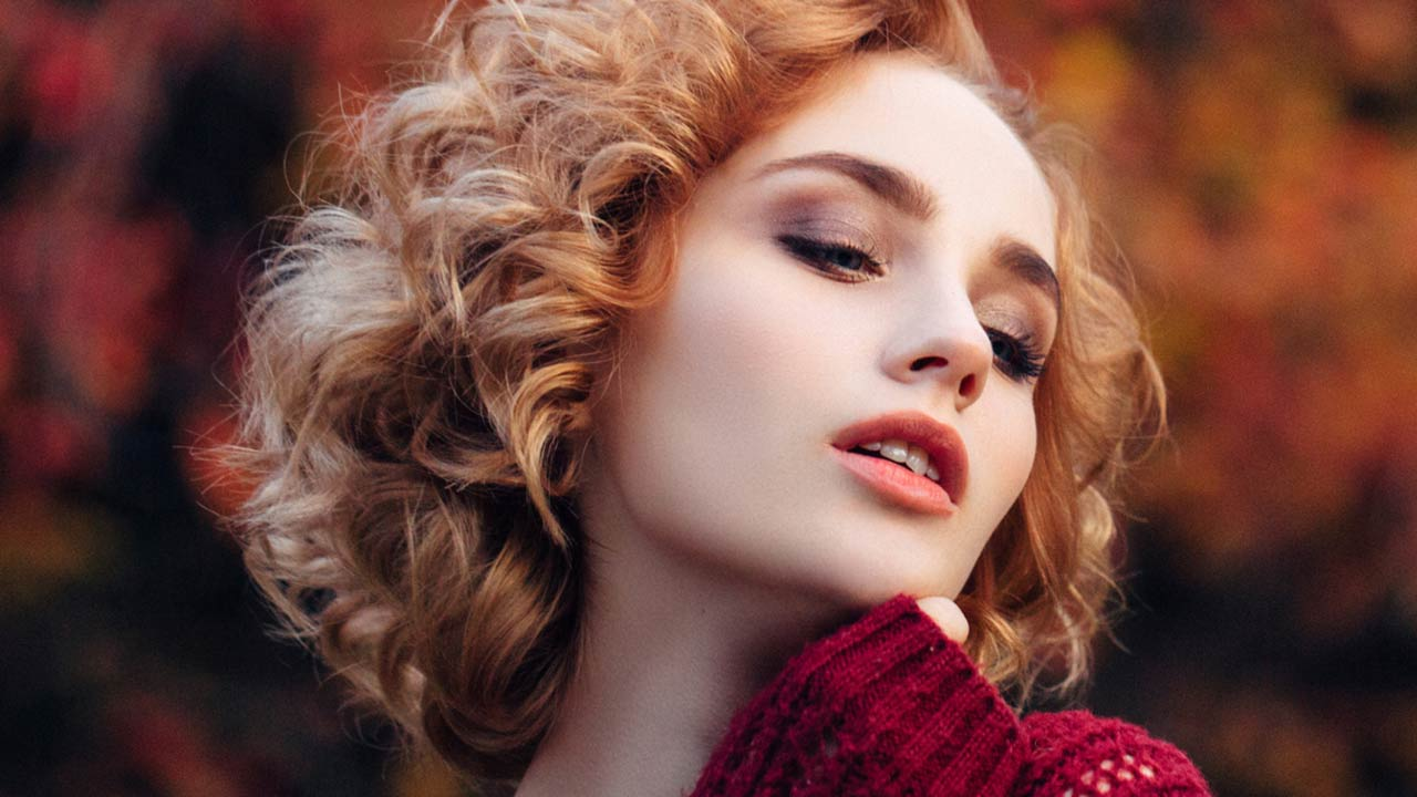Red Hairstyles With Highlights – How They Are Making Their Cosmetics Store Look Dazzling