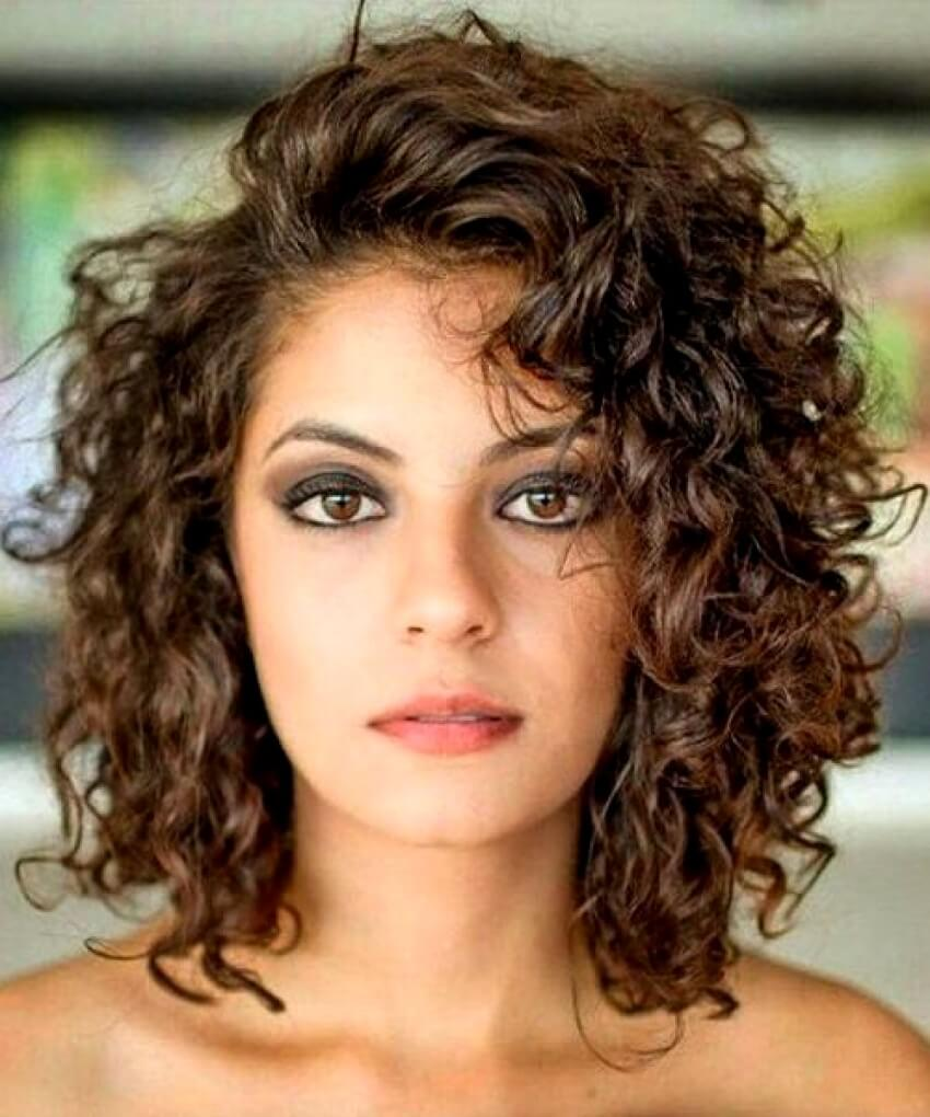 Haircut Ideas For Medium Curly Hair
