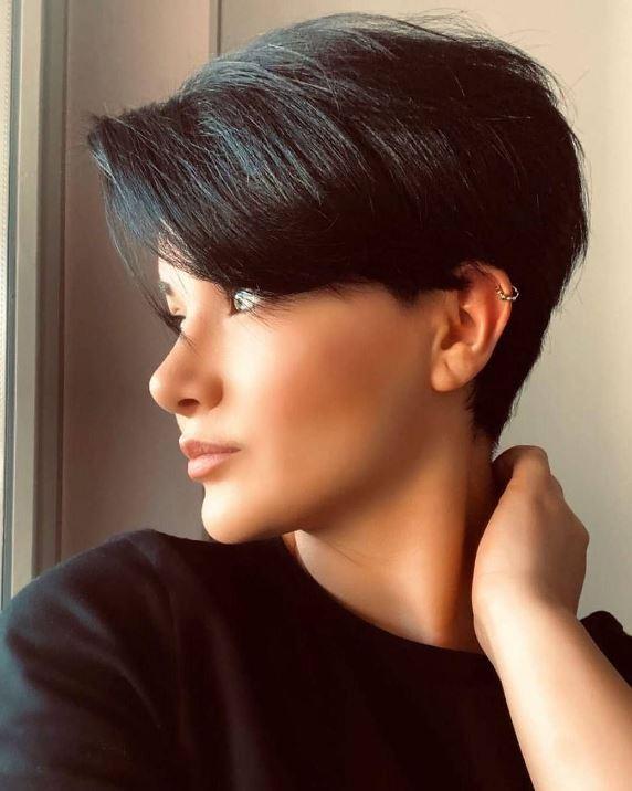 Beautiful Short Hair Cut For Girls