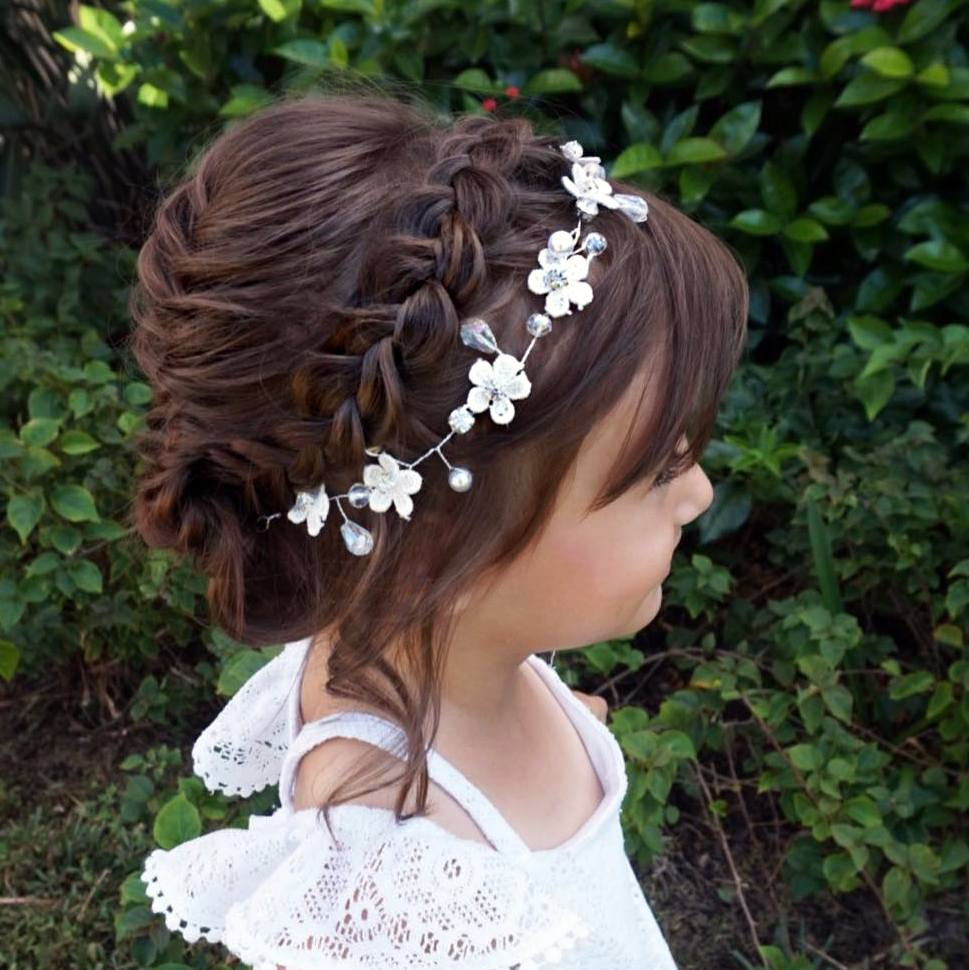 Styles In 2021 – Try The Latest Flower Girl Hairstyles!
