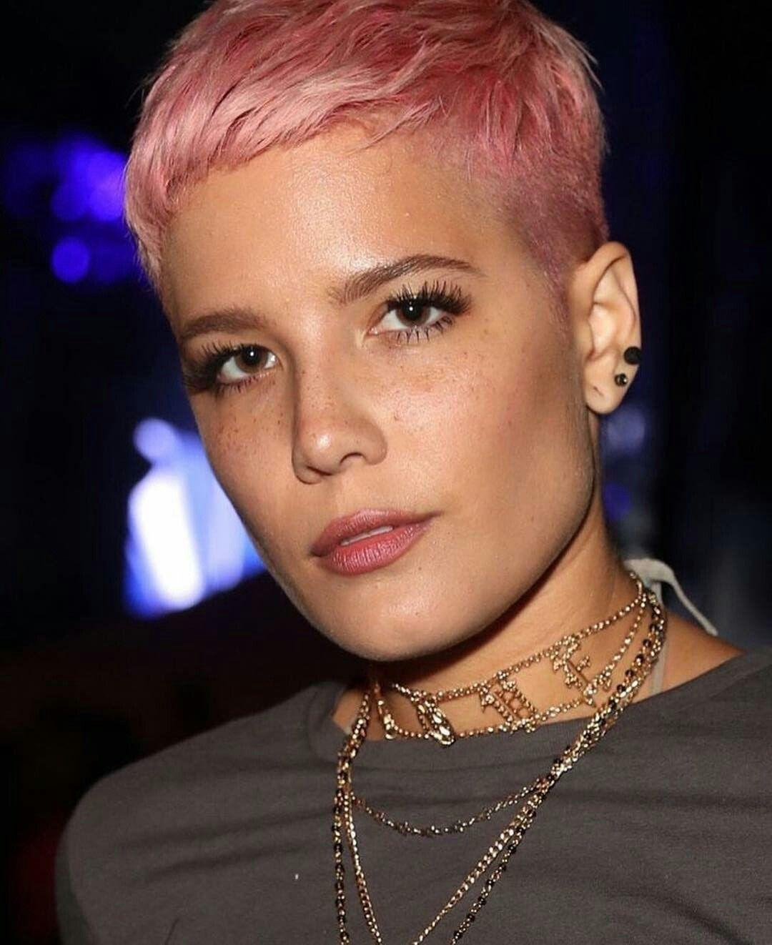 Halsey Hair Styles – How to Choose the Right One For You!