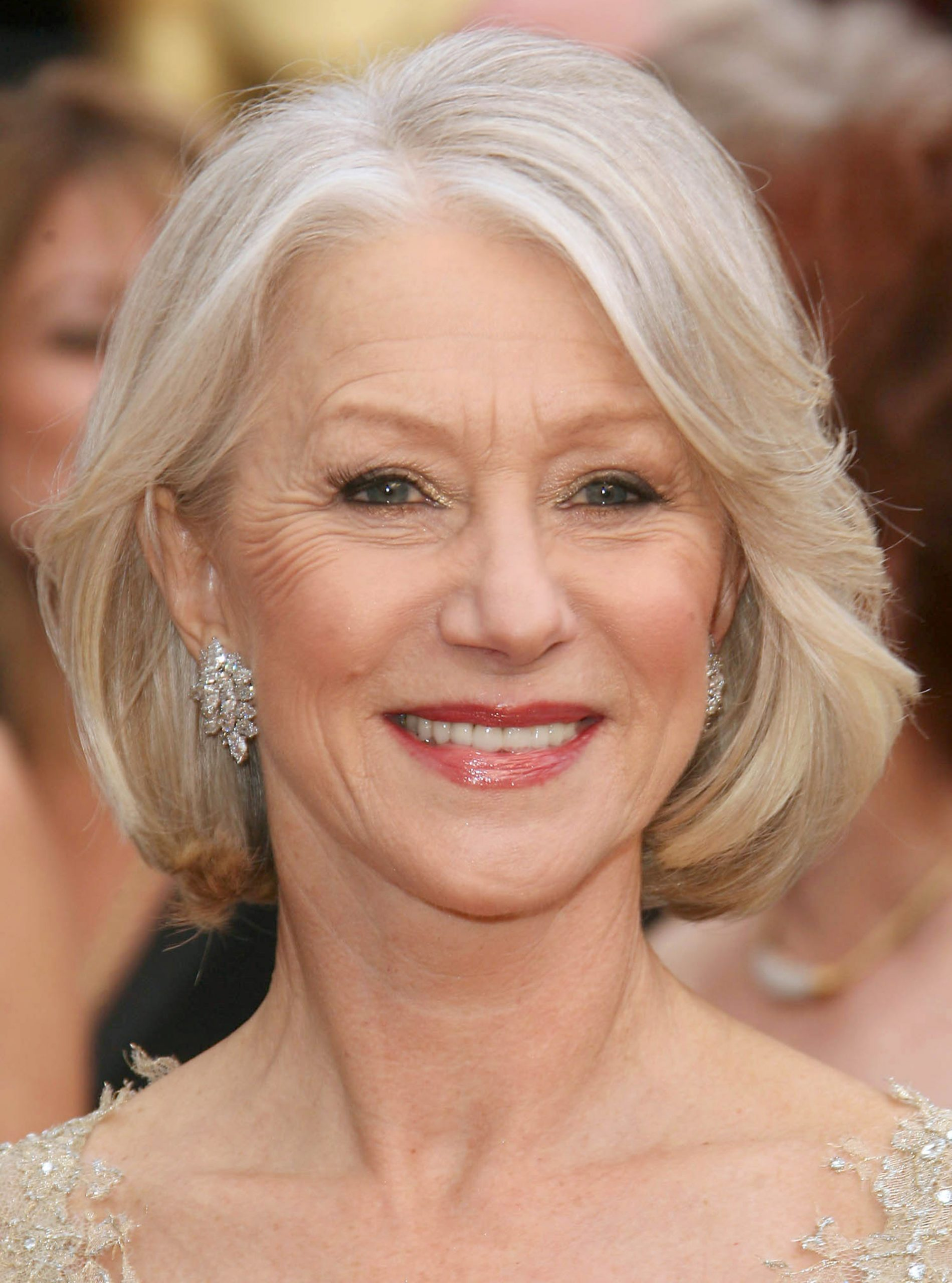 Helen Mirren Hairstyles – How to Choose the Best One For You!