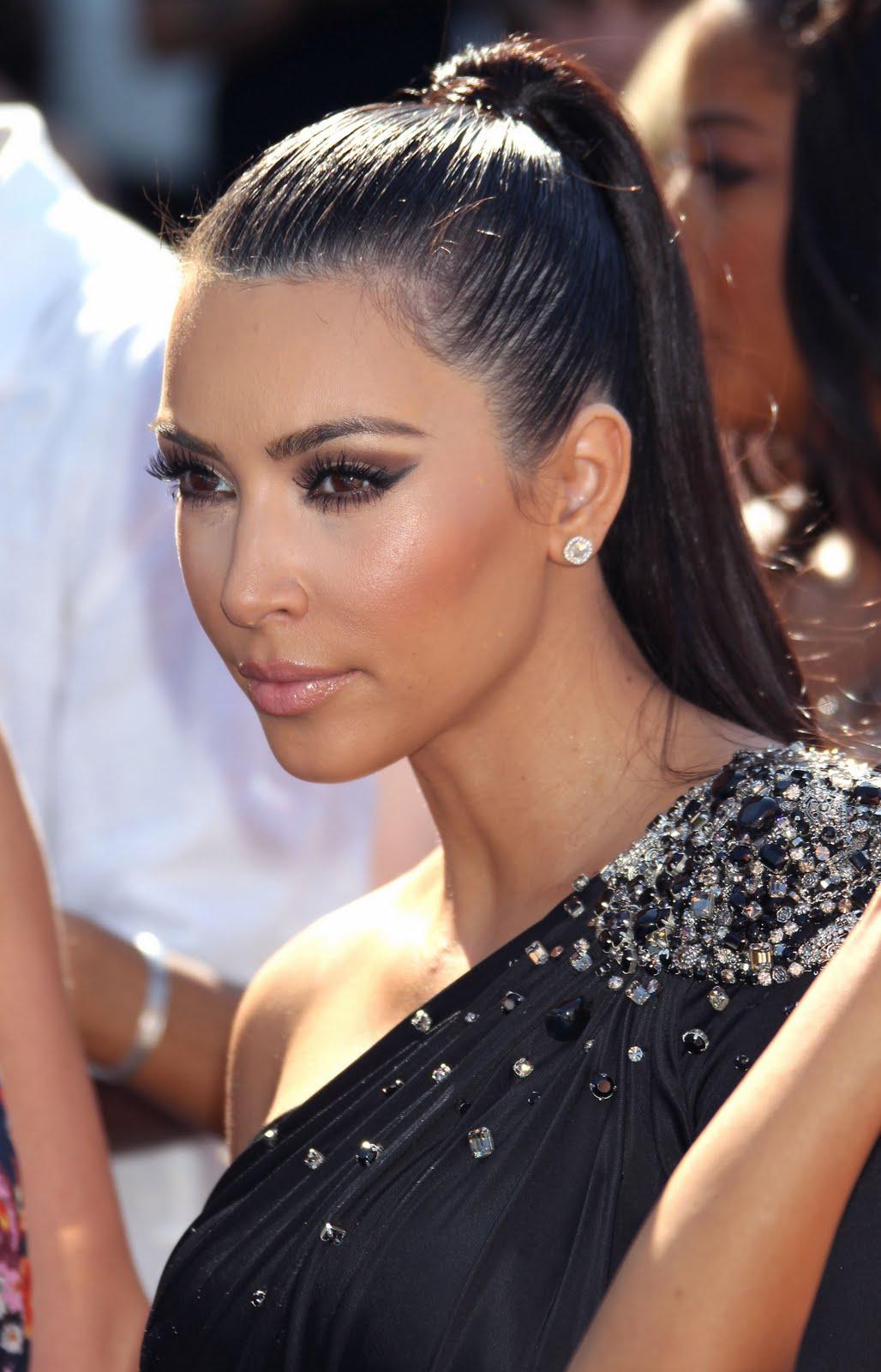Kim Kardashian Hair Styles – Latest Modern Design Ideas