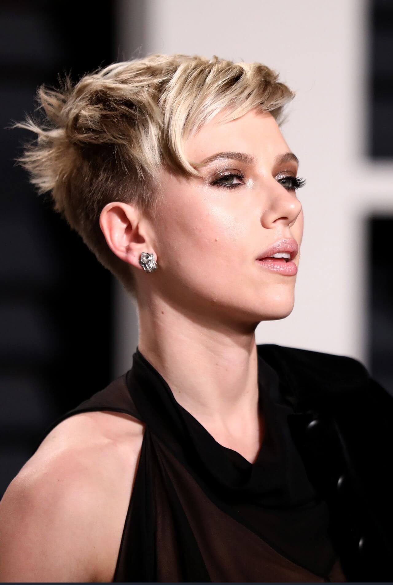 Pixie Haircuts For Women – Get the Perfect Style This Month!
