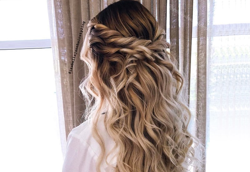 Prom Hairstyles Down Pattern for You to Wear at a Prom