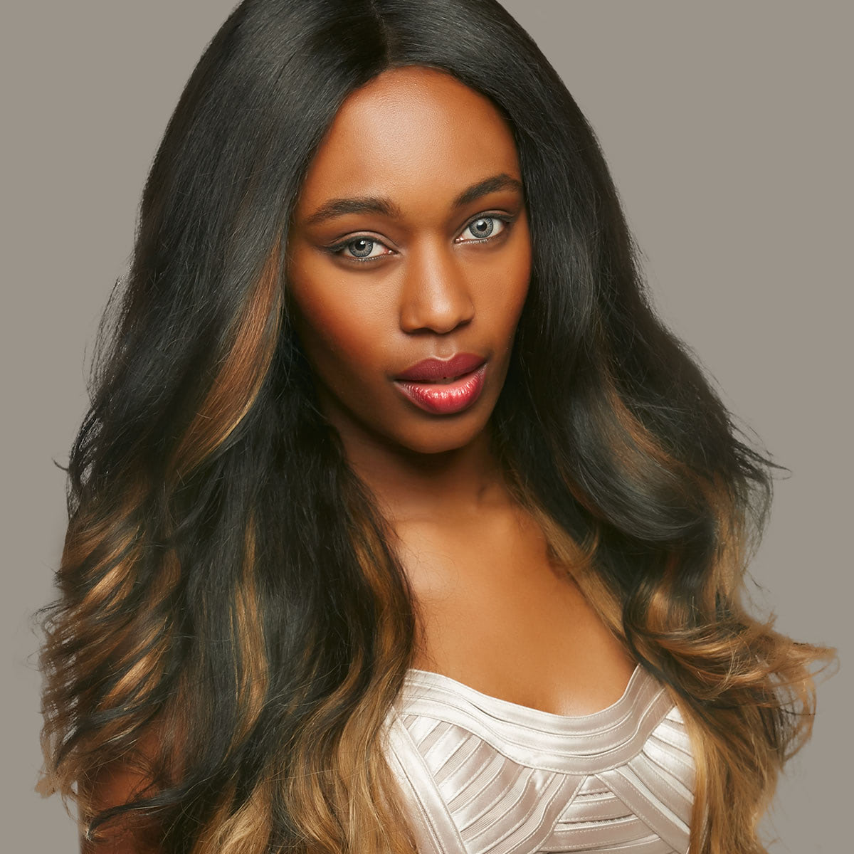 How to Create Beautiful Hairstyles With Realistic Wigs and Hairpieces