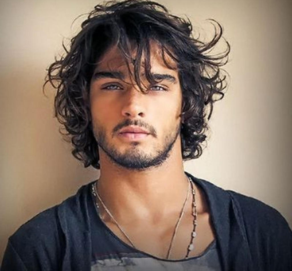 Hairstyle Ideas For Wavy Hair for Stylish Guys