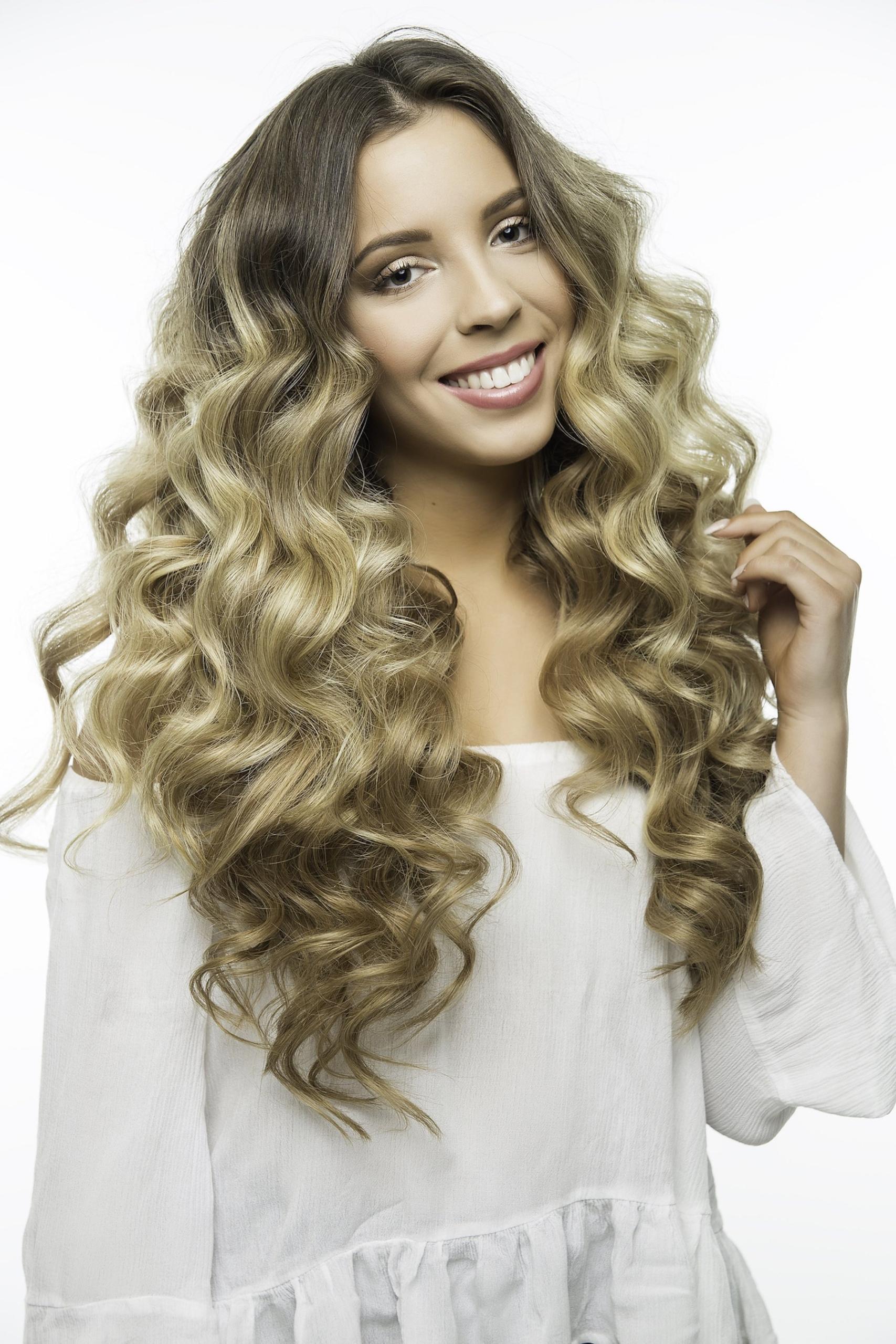 Stylish Women's Styles – Why Choose Bombay Hair Wigs