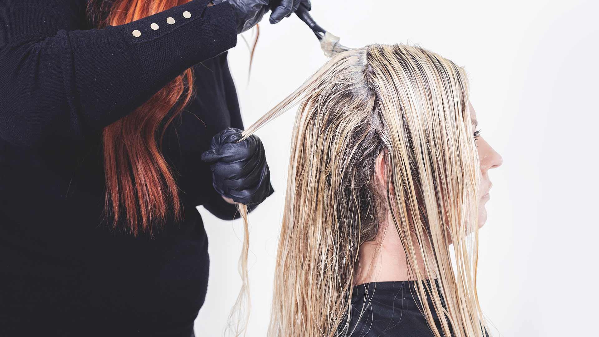 Can You Bleach Wet Hair? 2 Modern Design Ideas That Works!
