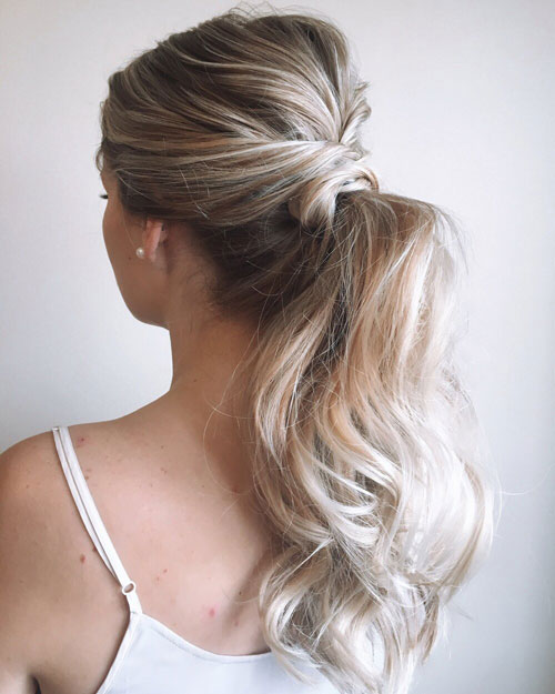 Stylish And Elegant Hairstyles For Modern Women