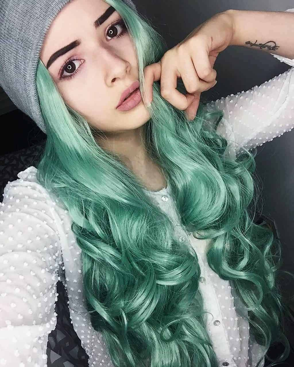 Beautiful Styles For Girl With Green Hair