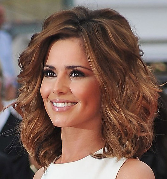Hairstyles For Thick Wavy Hair – Discover Some Modern Design Ideas