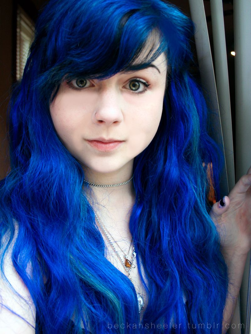 Styles For Royal Blue Hair – Best Style For Women