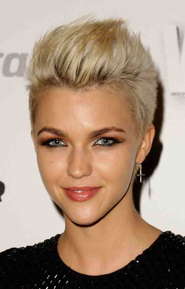 The Gorgeous Ruby Rose Haircut