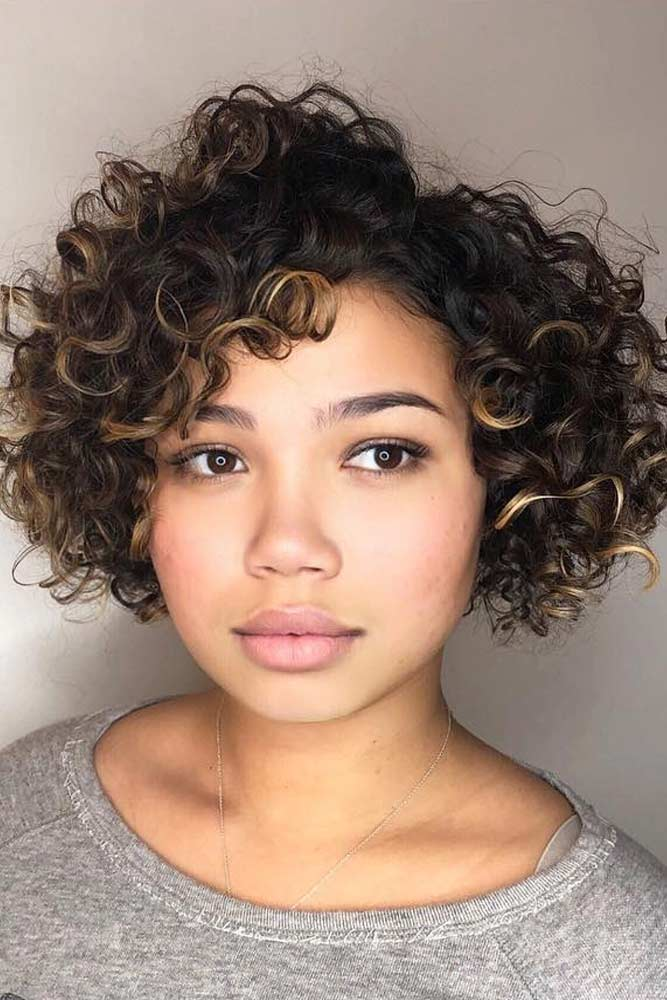 Short curly hair women are the ones